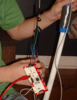 makey makey used to hack a bow for shooting in Minecraft